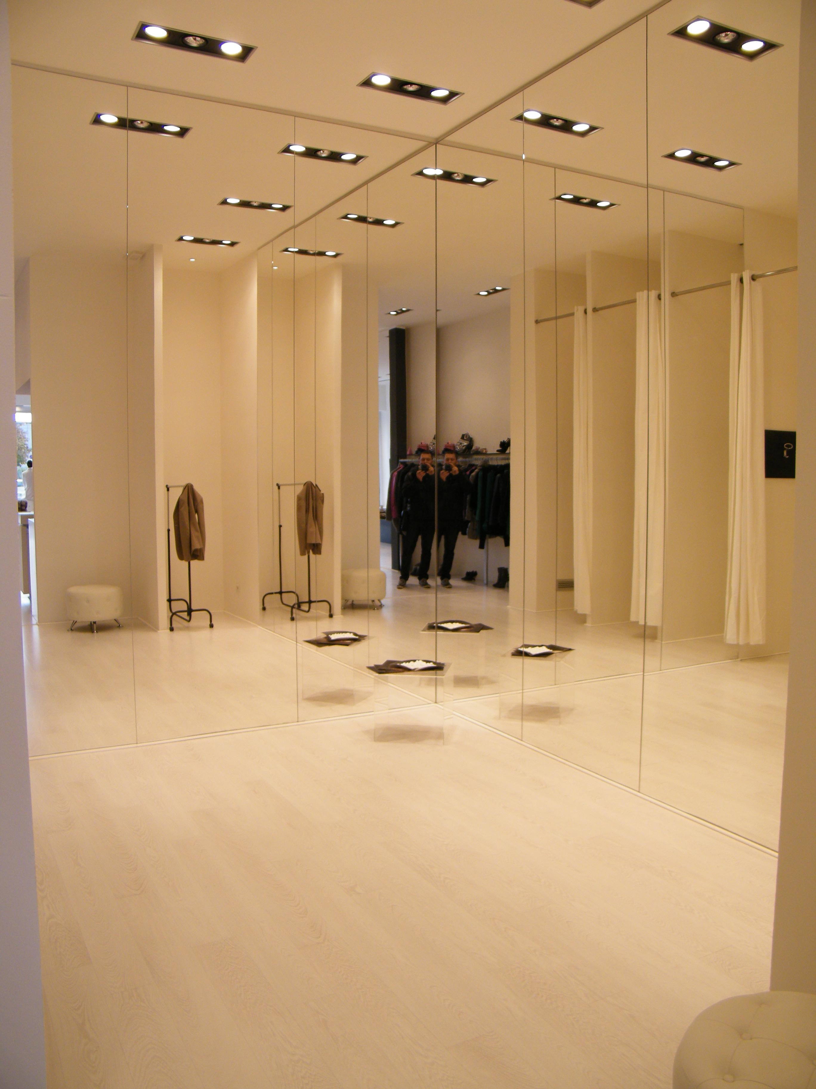 Progettazione di negozi su misura innovativi per for Progettazione di negozi